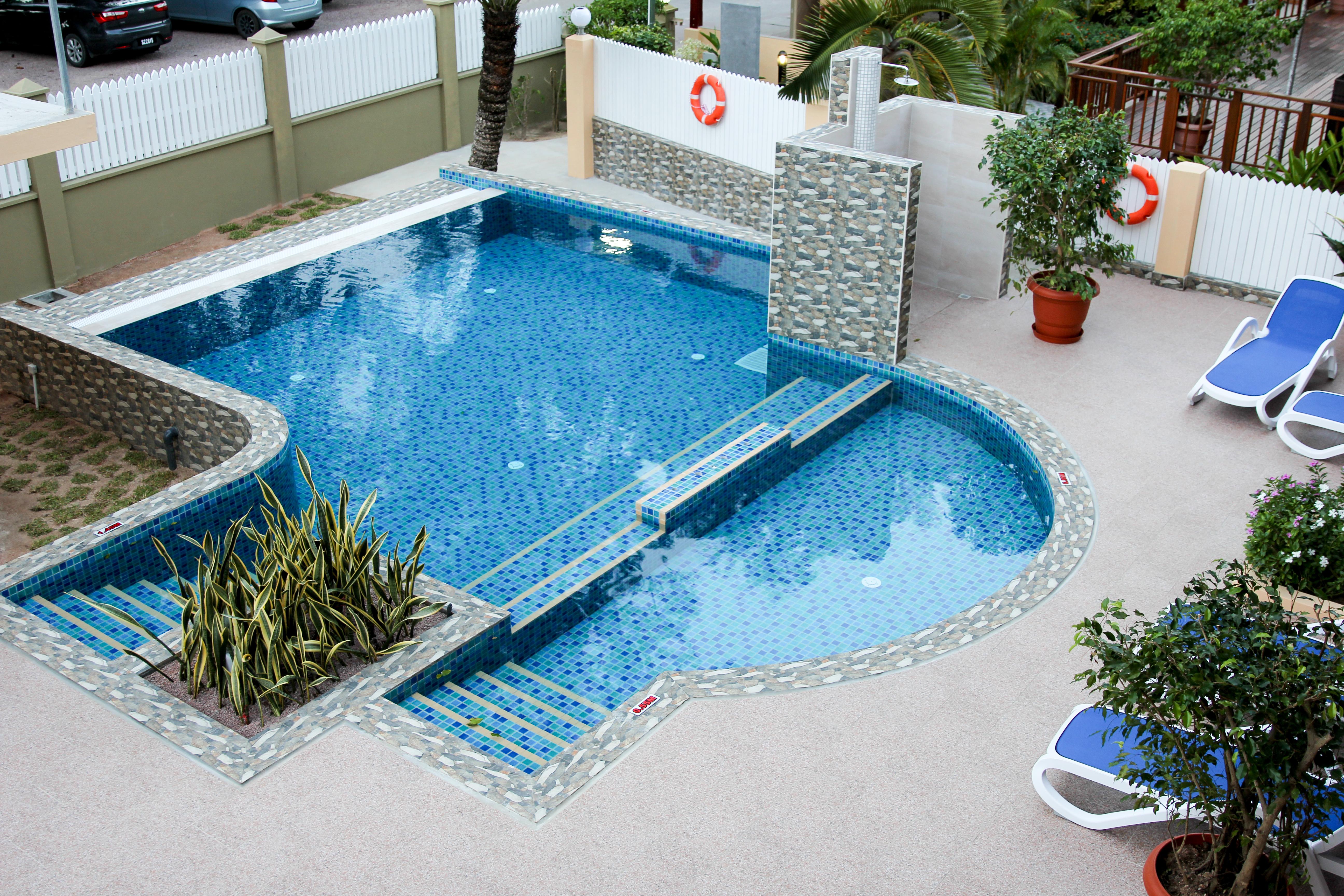 PirogueLodge-Pool-4